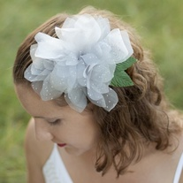Platinum Dahlia Fascinator - Thumbnail 3