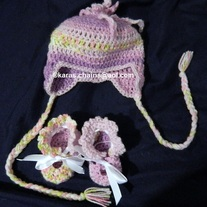 Hat with ear flaps & Booties