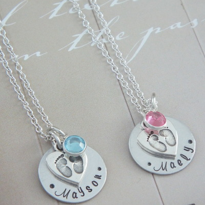 925 sterling silver personalized new mom necklace / baby newborn feet/ baby shower
