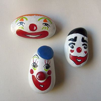 Set of 3 painted clowns rocks - free usa shipping