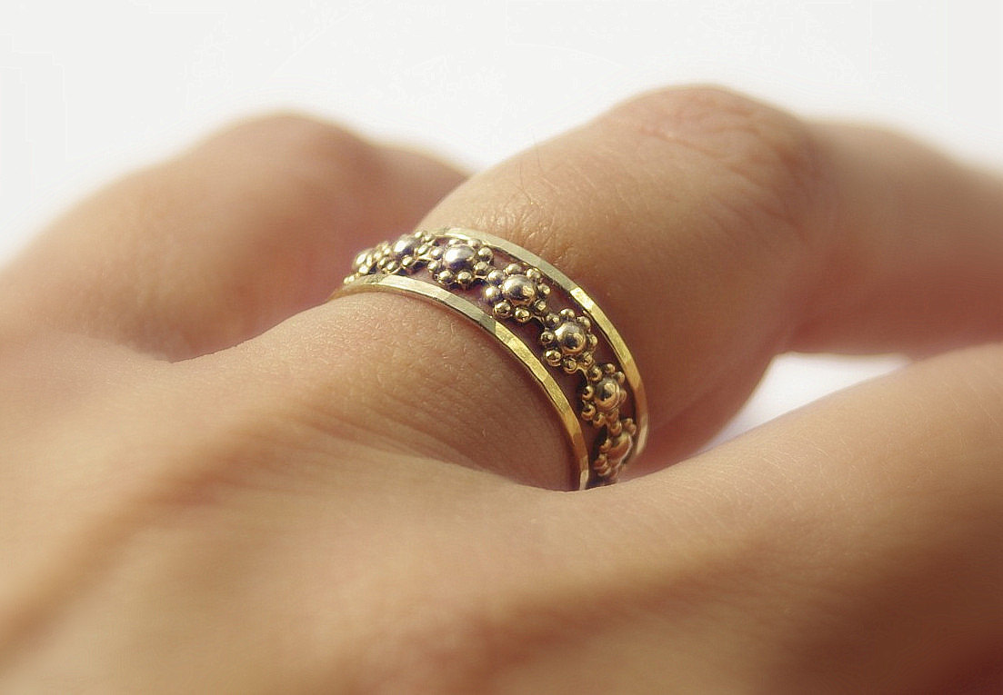 daisy chain floral romance gold filled stackable rings set. Black Bedroom Furniture Sets. Home Design Ideas