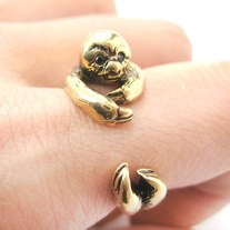 Realistic Sloth Animal Wrap Around Hug Ring in Shiny Gold - Sizes 5 to 9