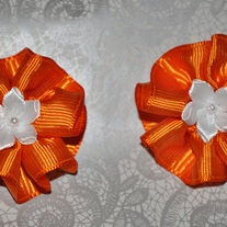 Orange_bows_medium