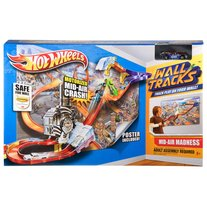 ON SALE & FREE SHIPPING Hot Wheels Wall Tracks Mid-Air Madness Trackset Race Track With Car