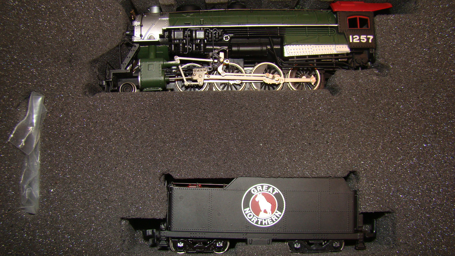 Ho engine bachmann plus great northern consolidation 2 8 0 amp tender