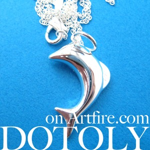 Simple Dolphin Sea Animal Charm Necklace in Silver