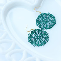 Emerald Green Medallion Shaped Filigree Earrings