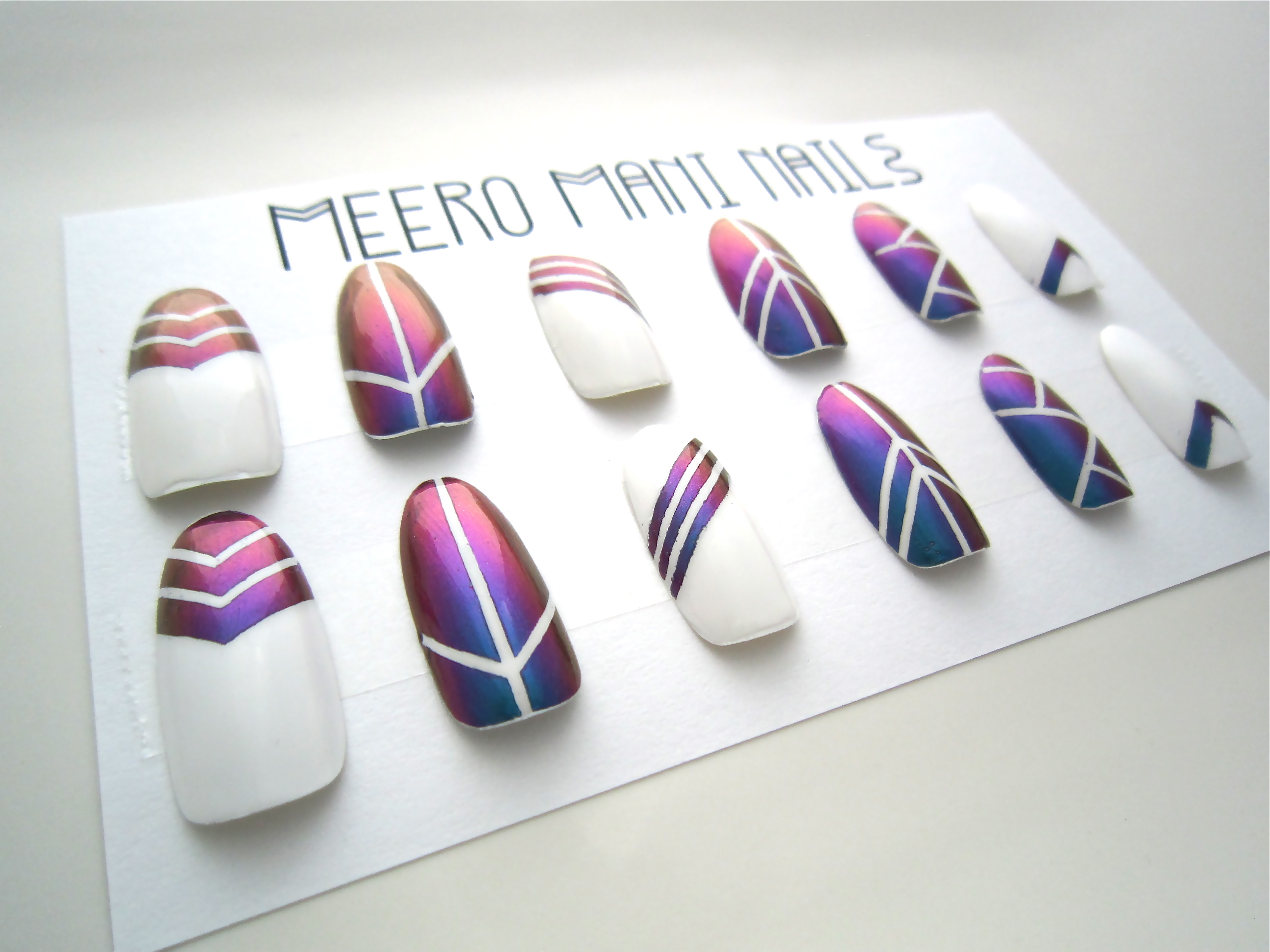 Beetle Wing Stripes Reusable Press On Nails