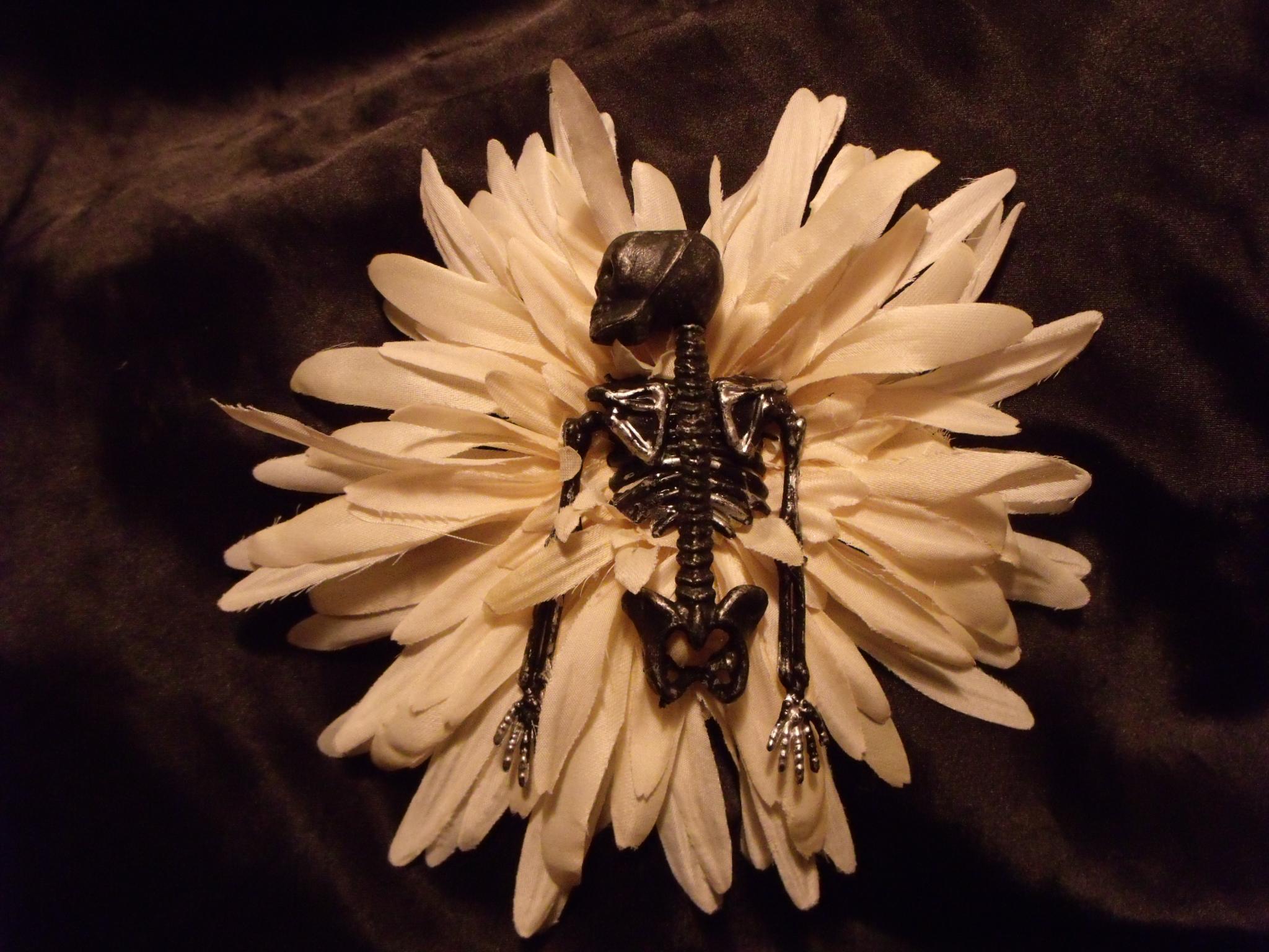 Gore Getter Skeleton Torso White Flower Bow Hairpiece
