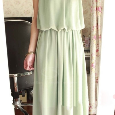 Scoop neck pleated chiffon maxi