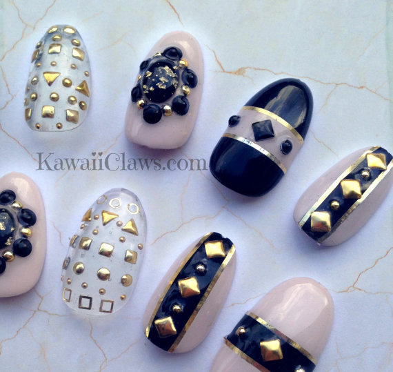Kawaii Claws | Black & Nude Studded 3D Nail art false fake nails ...