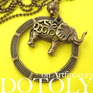 Elephant Animal Hoop Round Pendant Necklace in Bronze