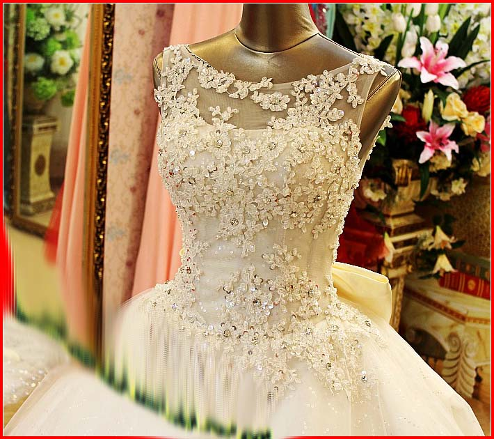 YZ New Arrival Gorgeous Luxurious Swarovski Crystals Bridal ...