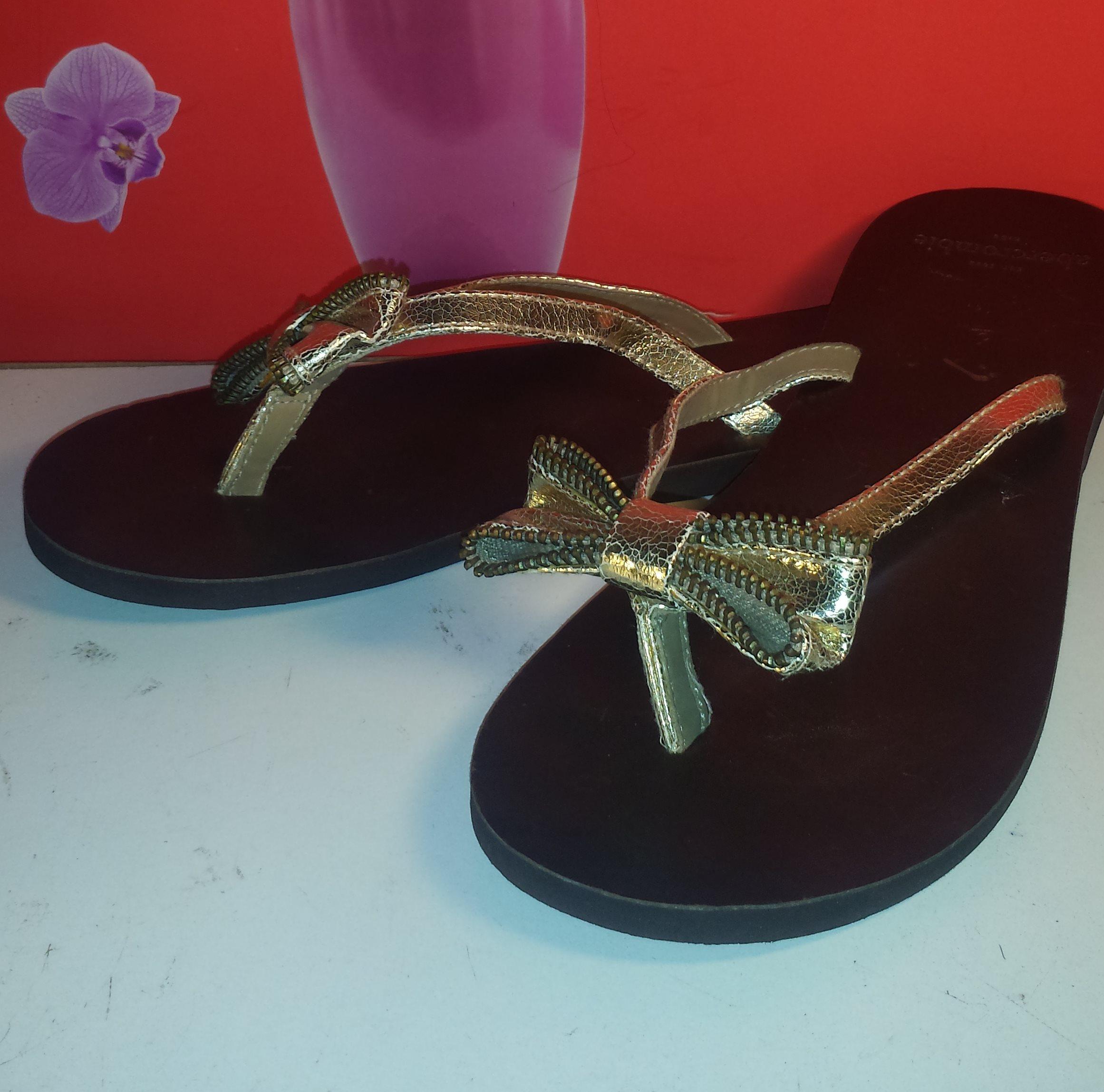 b4f4125de82d8 Abercrombie   Fitch Women s Brown Leather Flip Flops Gold Bow Sandals -  Thumbnail ...