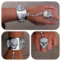 NEW Skull Pic and Ring Set