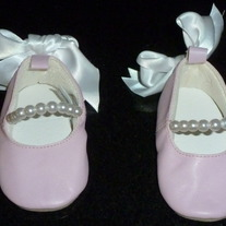Pink Pearl Shoes with White Bow-Mudpie Size 0-6 Months