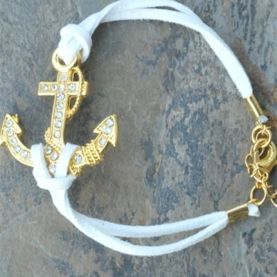 Suede crystal anchor bracelet - white