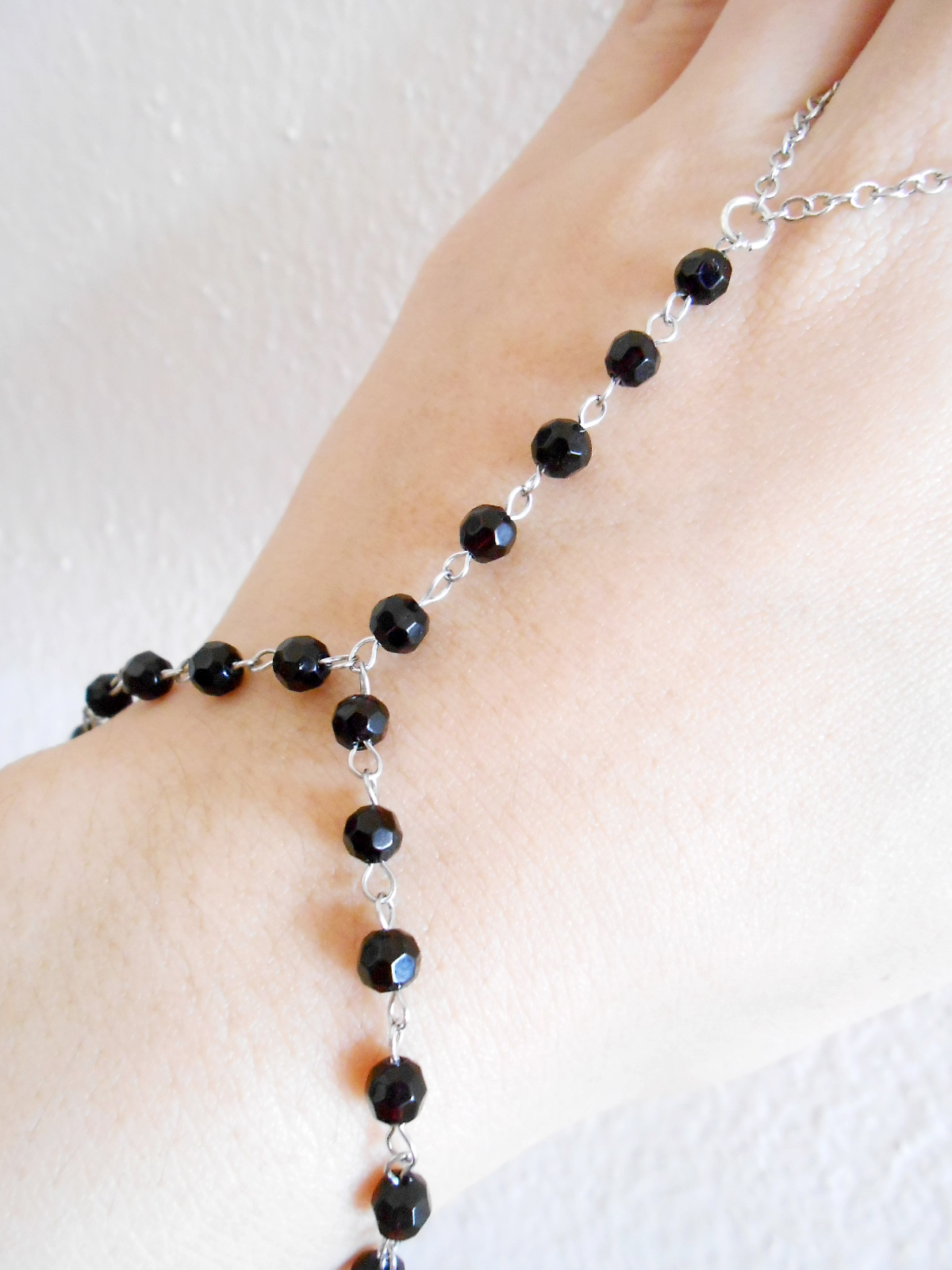 Slave bracelet ring cutting black onyx beads hand link chain jewelry