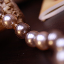 Vintage Cream and Chocolate Glass Pearl Necklace