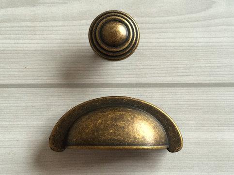 2 3 4 antique brass dresser knobs pulls drawer knob pulls handles knobs rustic retro decorative. Black Bedroom Furniture Sets. Home Design Ideas