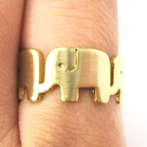 Row of Elephants Parading Animal Ring in Gold - Sizes 6, 7 and 8