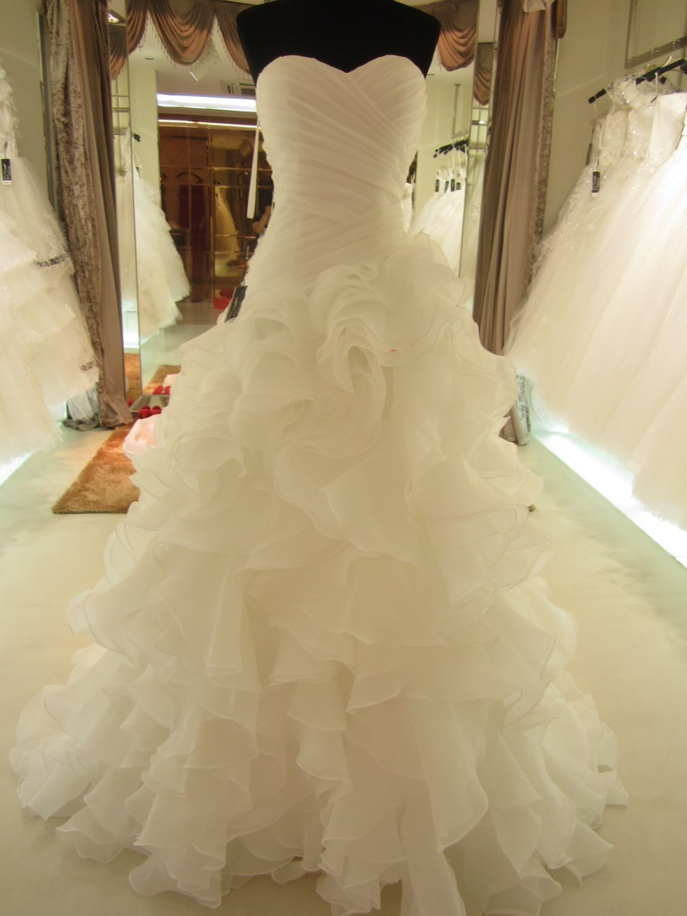 White Wedding Dresses with Ruffles