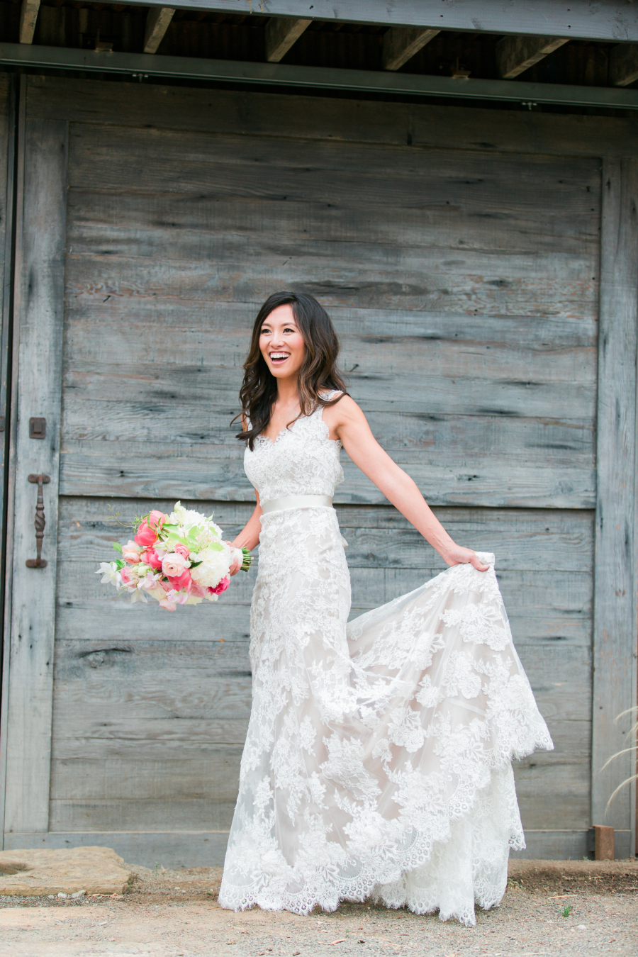 Elegant Mermaid Lace Wedding Dress,V-back Lace Wedding Gown · Sanct ...
