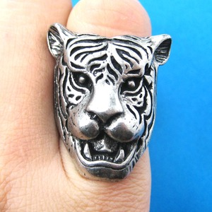 Tiger Head Shaped Animal Ring in Silver in Sizes 6 to 8