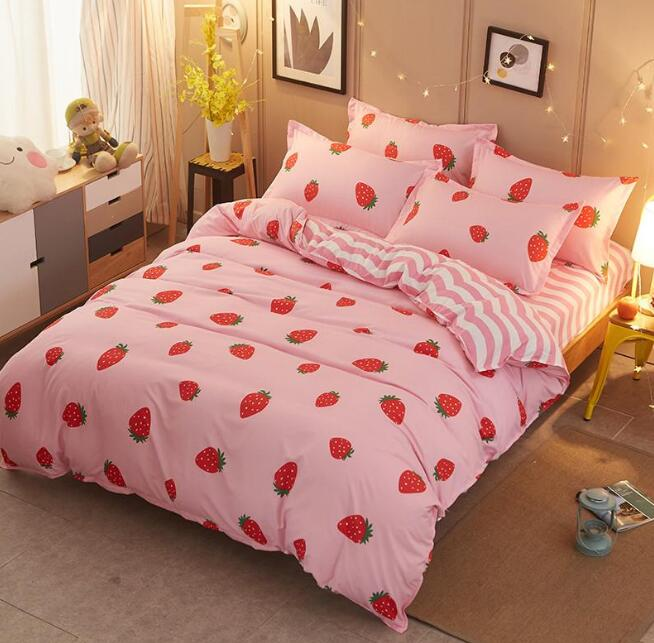 Exceptional Pink Strawberry Prints Bed Sheet Set 4 Pieces