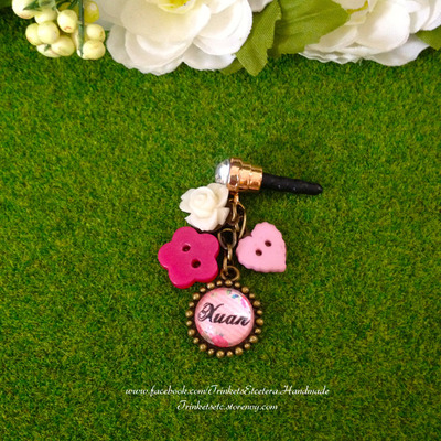 "Customise your ""xuan"" phone charm"