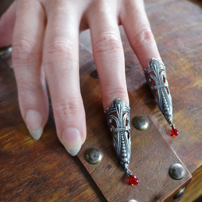 Vampire princess nail tip rings
