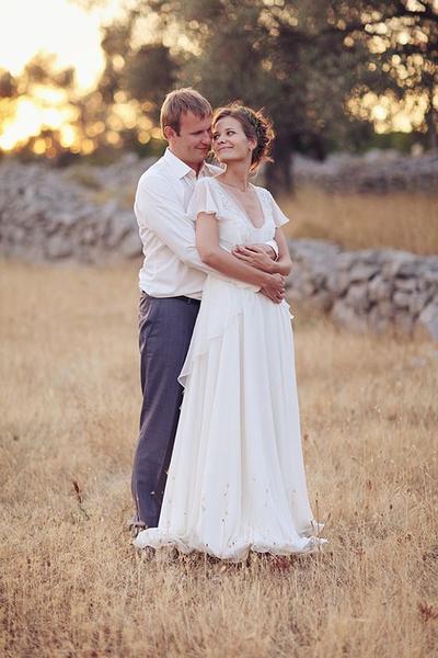 c98fc28fefc Simple Informal V-neck Chiffon Summer Outdoor Wedding Dress · Sancta ...