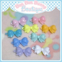 Tiny Treat Hair Clip - Bow