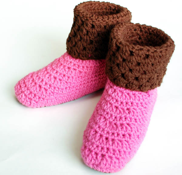 Free Crochet Patterns For Girl Booties : Crochet Pattern - Ladies Crochet Booties Slippers Pattern ...
