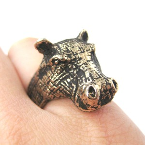 3D Hippo Shaped Animal Wrap Ring in Shiny Gold - Size 7 and 8 Available