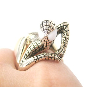 Spiderman Shaped Wrap Around Ring in Shiny Gold - US Size 8 and 9 Available