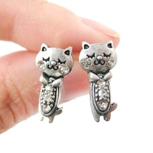 Small Kitty Cat Shaped Stud Earrings in Silver