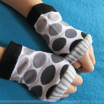 Grayscale Dot Arm Warmer