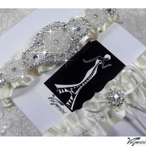 Wedding_20garter_20set_20satin_20ribbon_20rhinestone_20applique_20viogemini2_medium