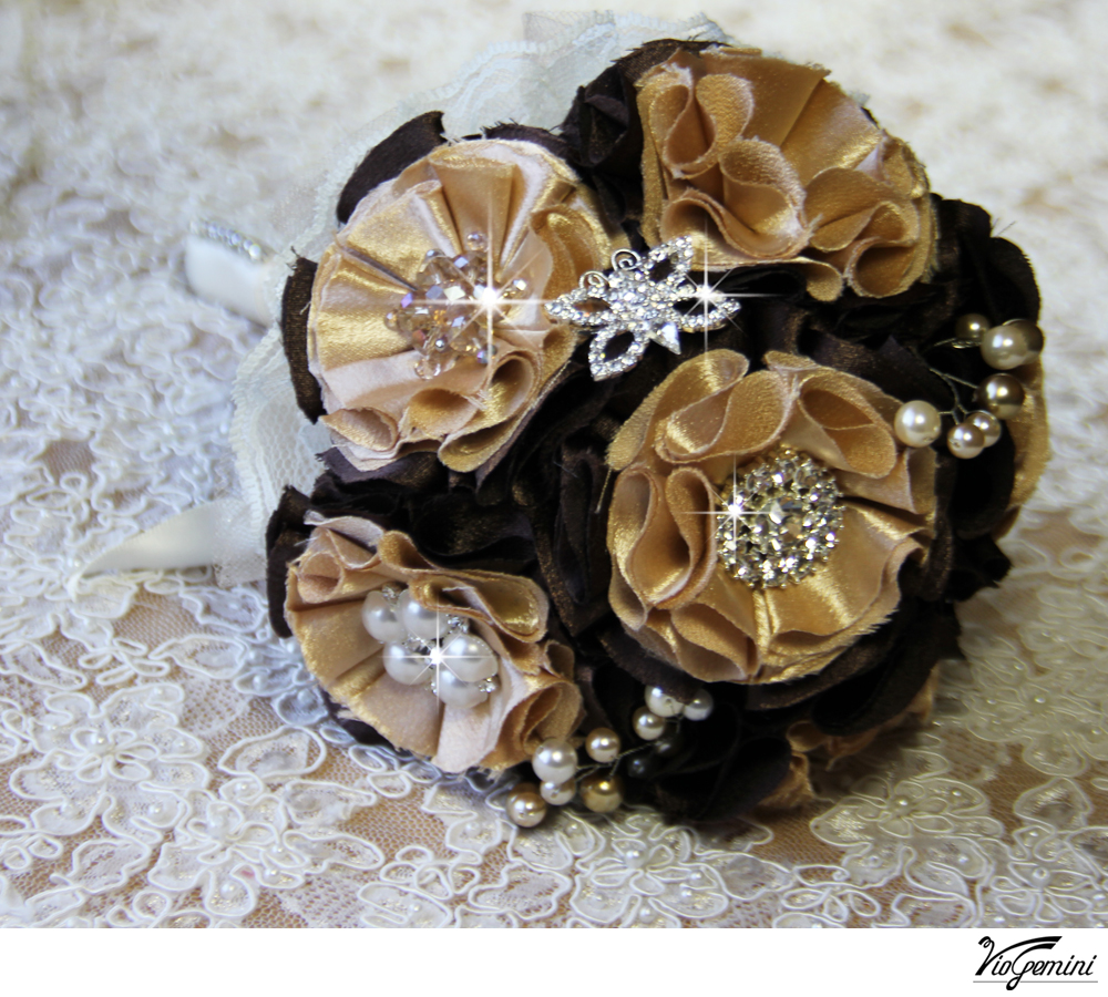 Wedding_20bouquet_20artificial_20fabric_20flowers_20rhinestone_20brooch_20viogemini4_original