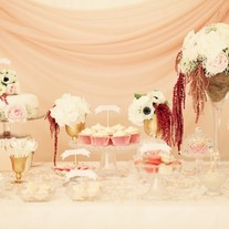 Pink-wedding-dessert-buffet-table-600x399