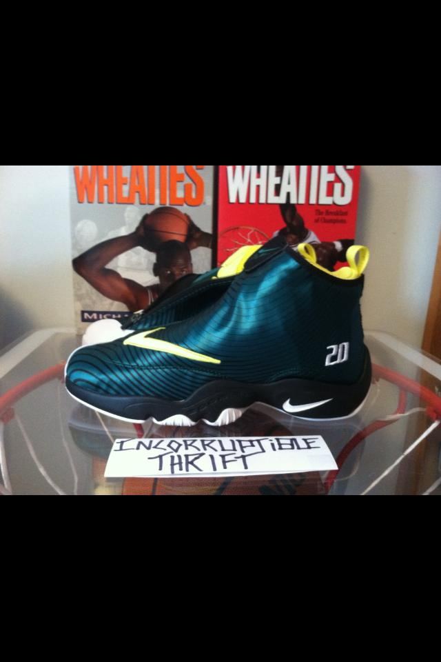 80f5be17ae3 Solecollector Gloves Size 10.5 · Incorruptible Thrift Shop · Online ...