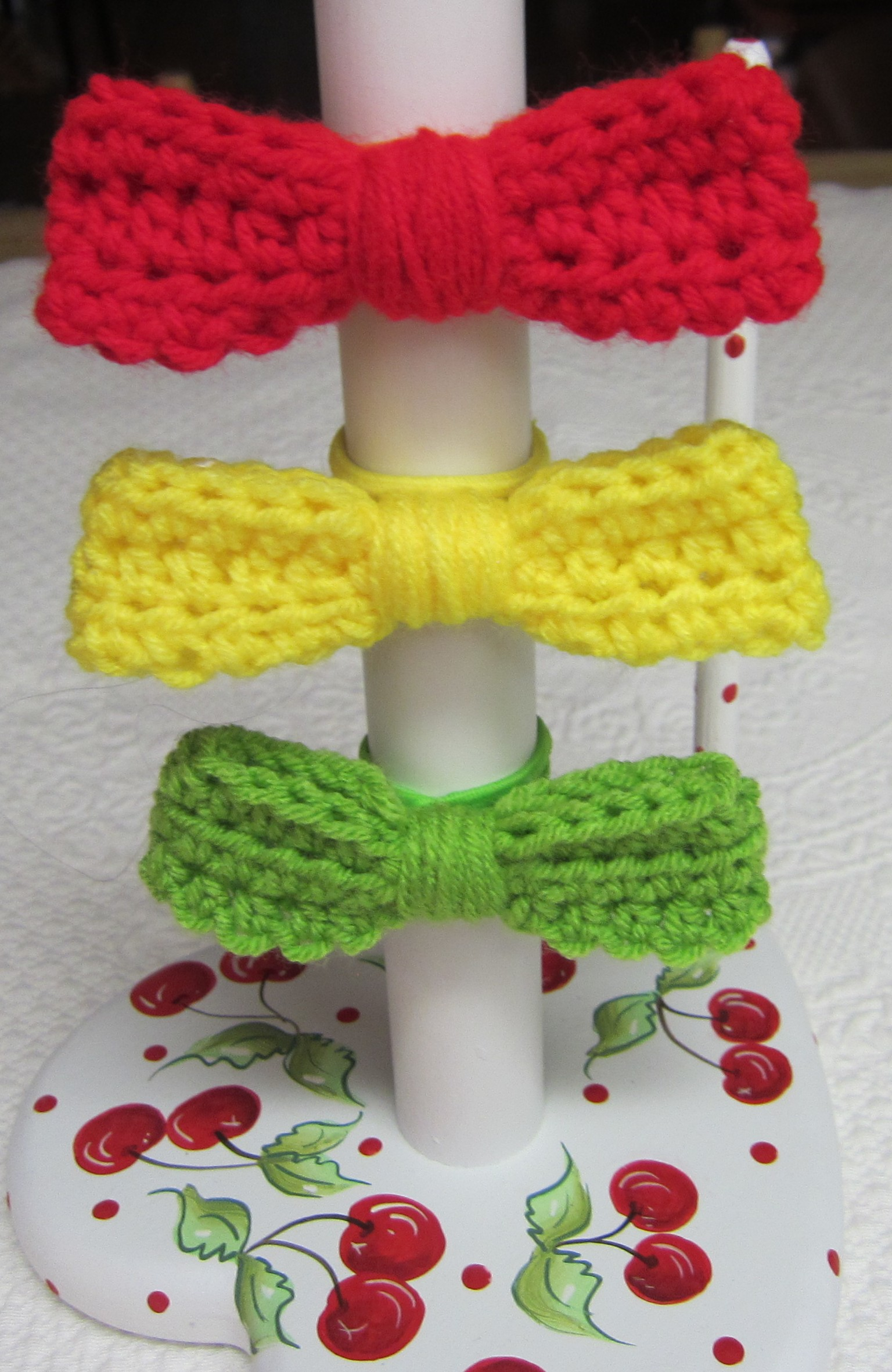 Crochet Hair Tie Bows in Various Colors Red,Yellow and Green ...