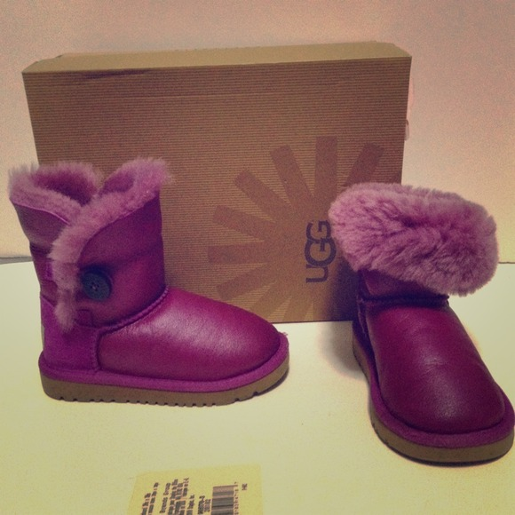 144f8615313 Ugg Australia: Bailey Button Purple Boots (Consignment Shop)