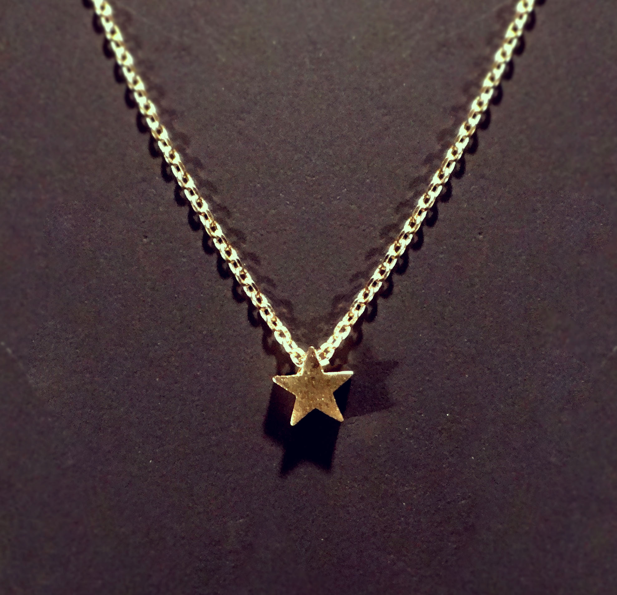 b89f5cb8ee1013 Tiny, Star Necklace, on Delicate 15