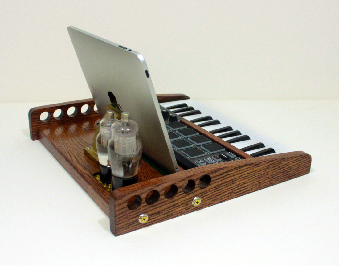 Vintage Keyboard Workstations : idockit ipad tablet music workstation midi keyboard pads and knobs tube model steampunk ~ Vivirlamusica.com Haus und Dekorationen