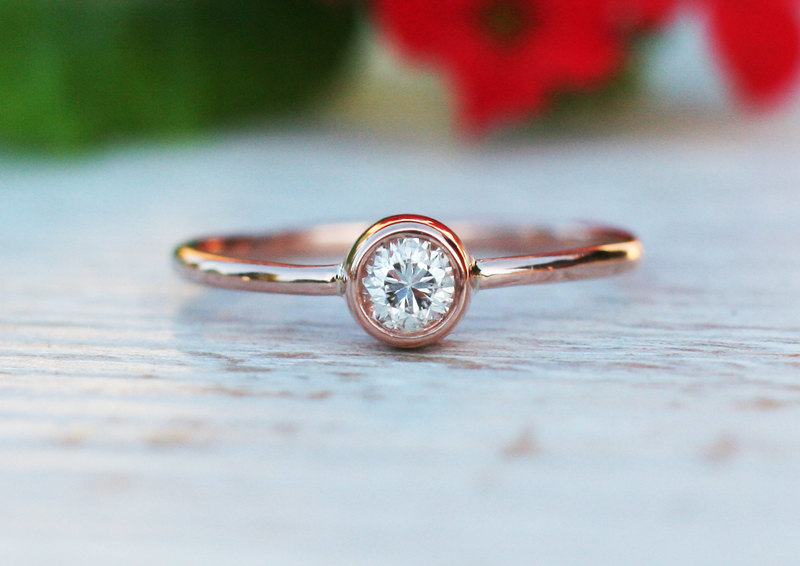 Super 0.17CT diamond engagement ring in 18k Rose gold, solitaire diamond  AR14