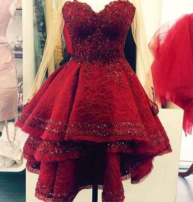 d7f385e2c49 Cute sweetheart neck lace short red prom dress