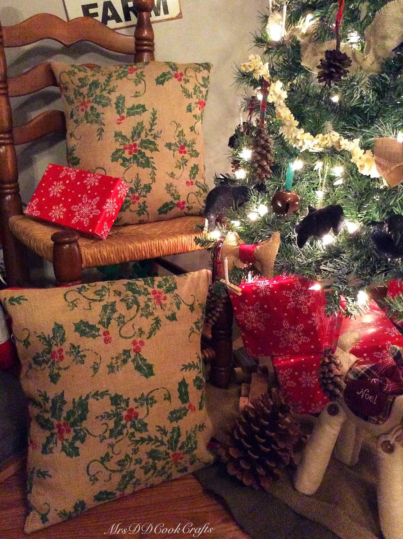 Christmas Pillow Holly Pillow Mistletoe Pillow Burlap Christmas