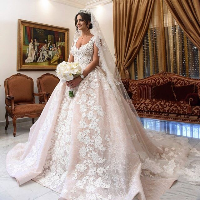 Luxury Ball Gown Trouwjurk Lace Wedding Dresses Gelinlik robe de ... 73aa6dc43fff